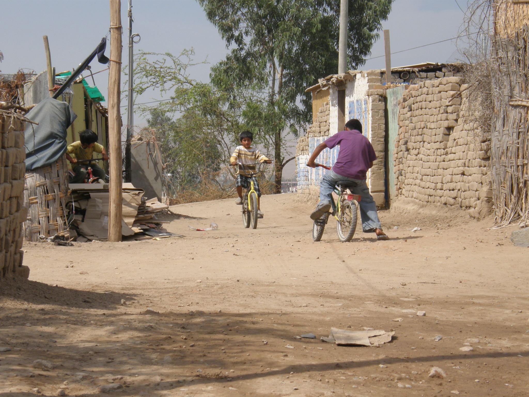 Perú está entre los países con mayores brechas entre niños ricos y en situación de pobreza