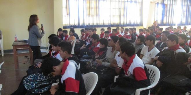 Ica: Estudiantes se informan de la violencia terrorista que vivió el País
