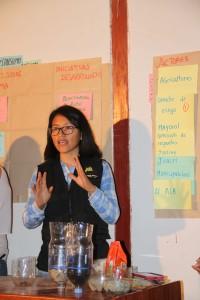 Marcia  Arteaga - RUA explicando el uso del Filtro Casero